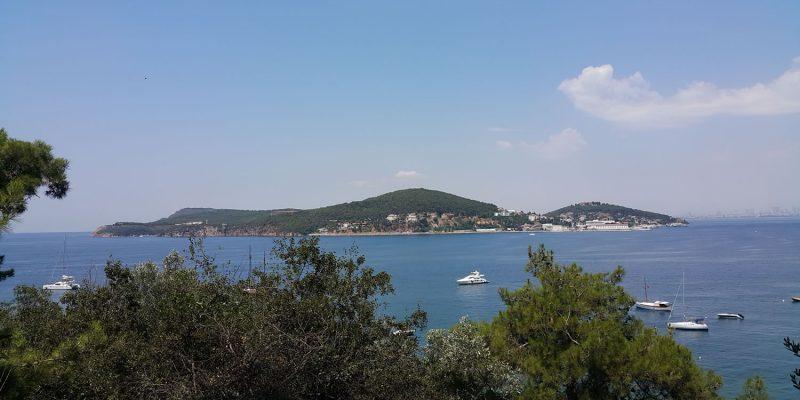 Heybeliada_from_Büyükada